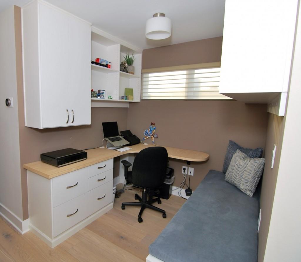 Alcove desk 1