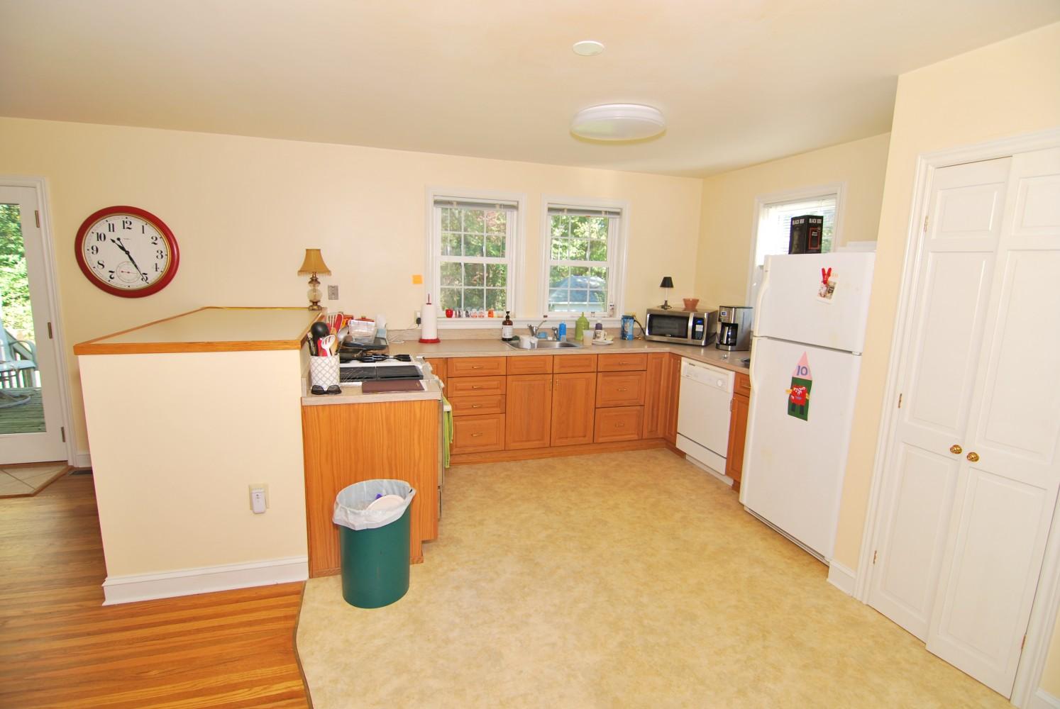 Navy white kitchen marlton nj distinctive interior for Distinctive interior designs