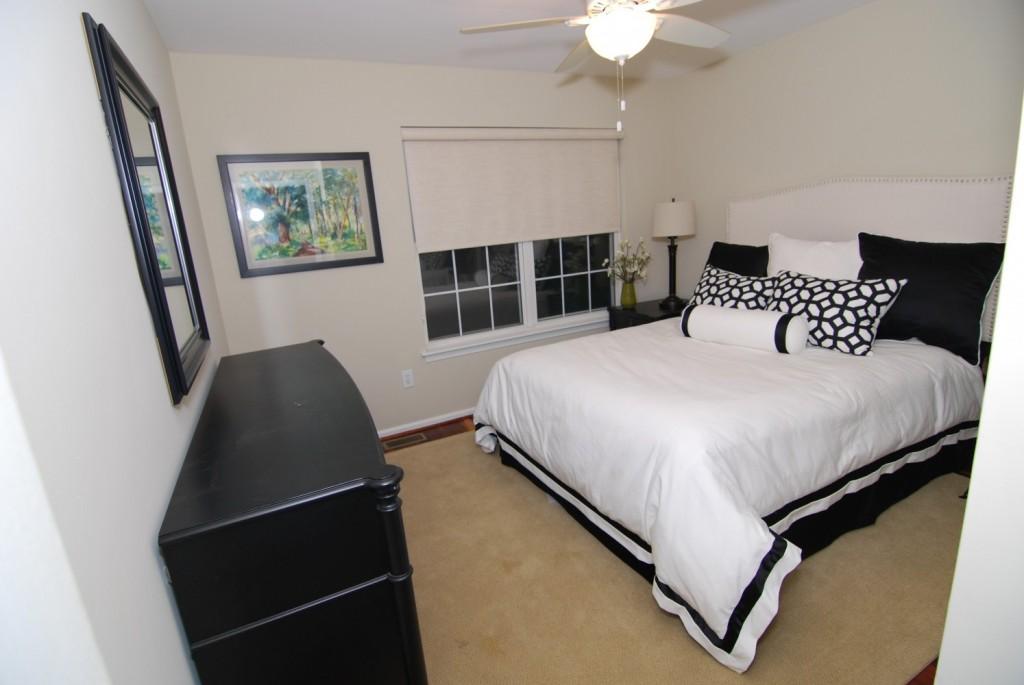 Lake House Bedroom 3