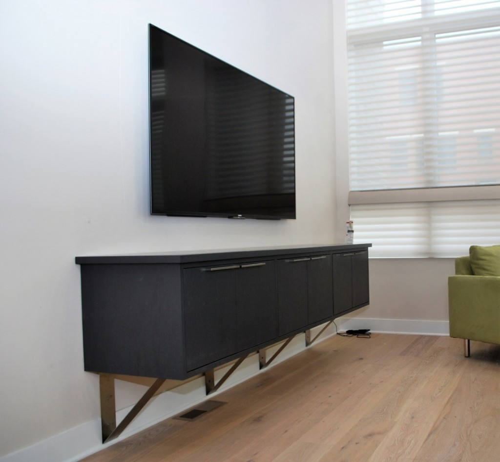 Living room entertainment console