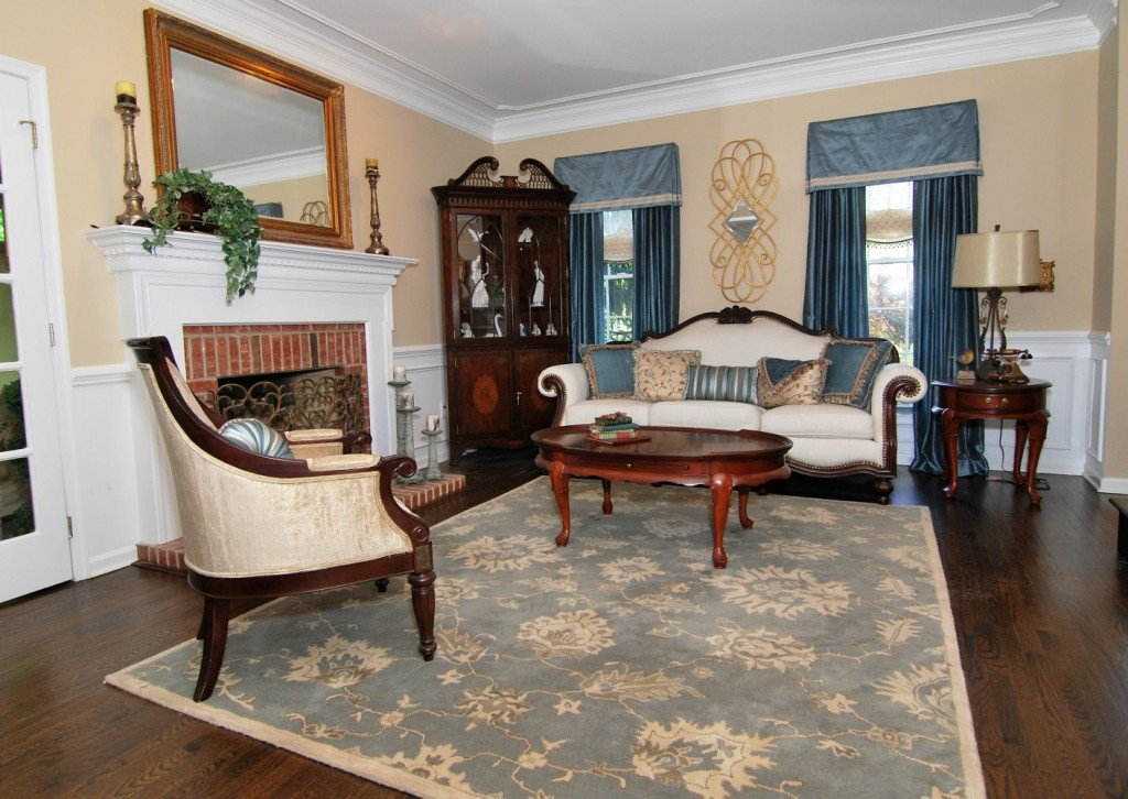 Blue and cream elegant living room | Montgomery NJ | Distinctive Interior Designs