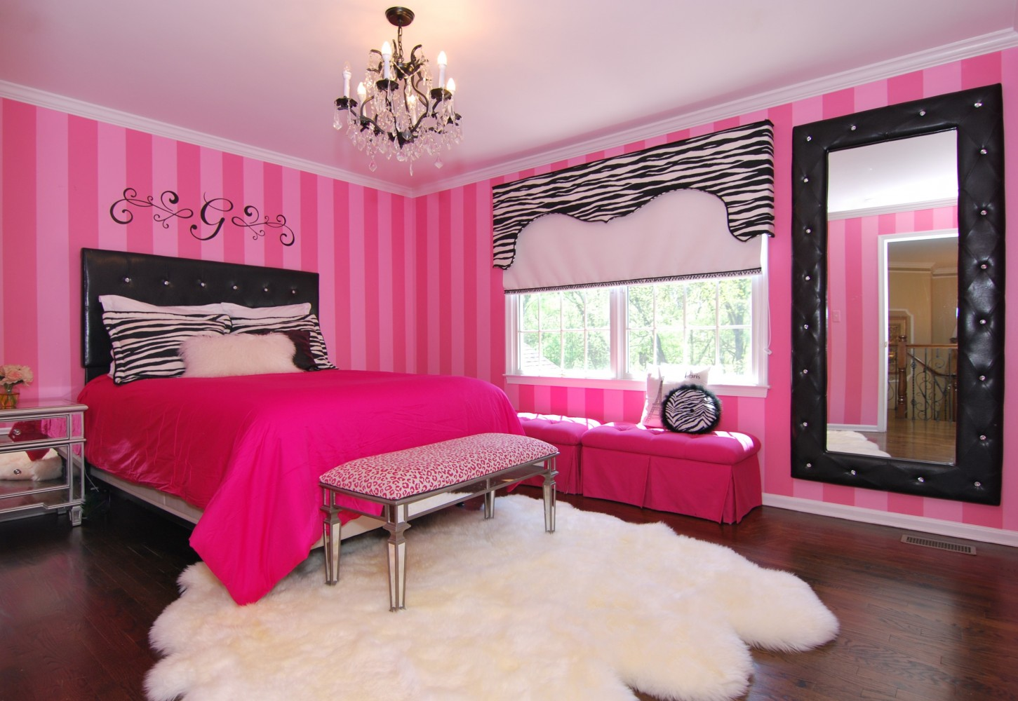 Pink & Black Teen room | Montgomery NJ | Distinctive Interior Designs