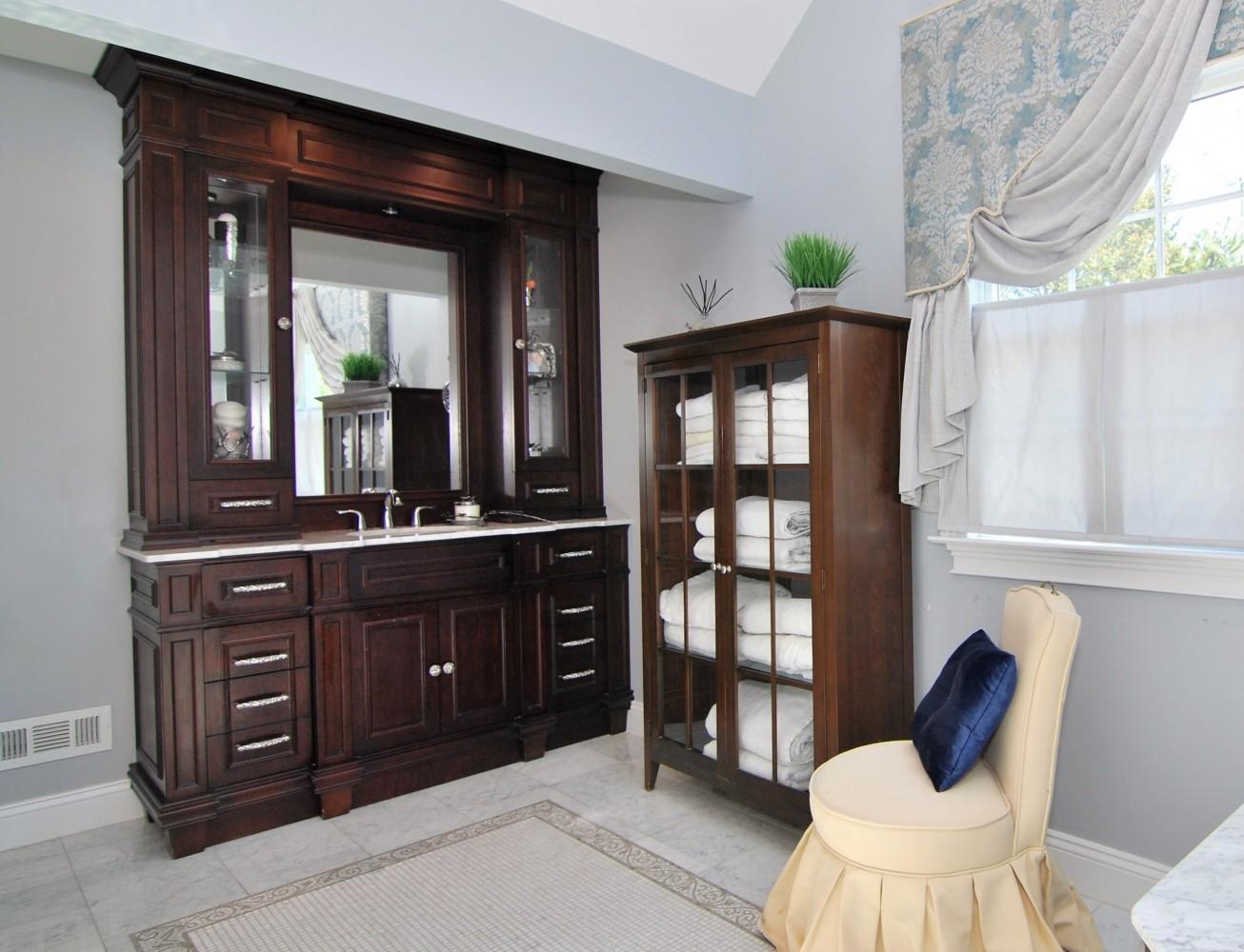 Elegant Masterbath vanity | Montgomery NJ | Distinctive Interior Designs