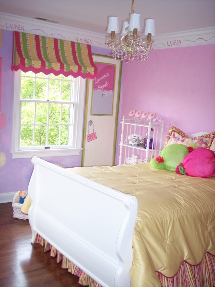 Candy Themed Bedroom With Awning