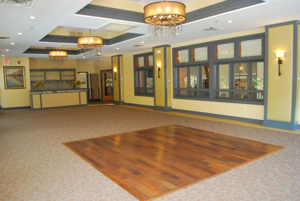 Banquet hall small dance floor