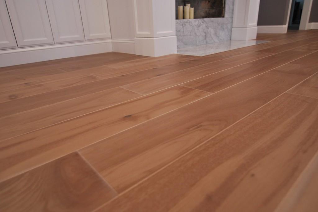 Demur engineered floors