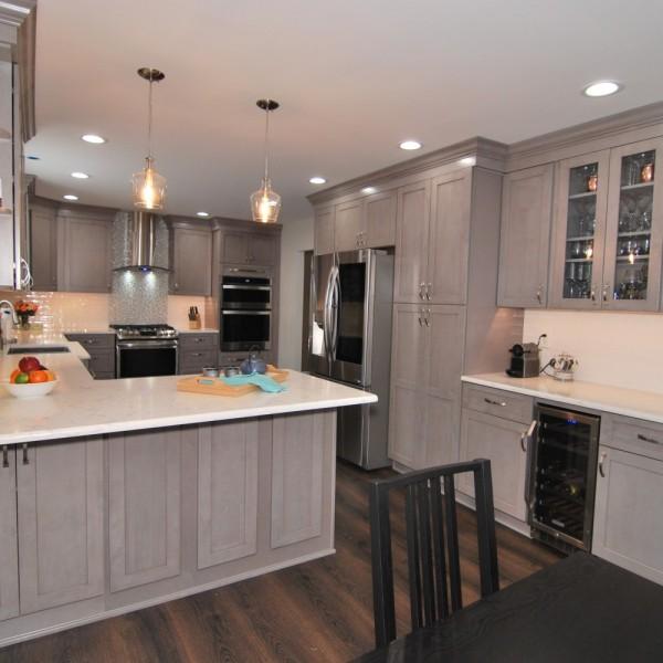 Galaxy Horizon Fabuwood Kitchen Sink | Collingswood NJ | Distinctive Interior Designs