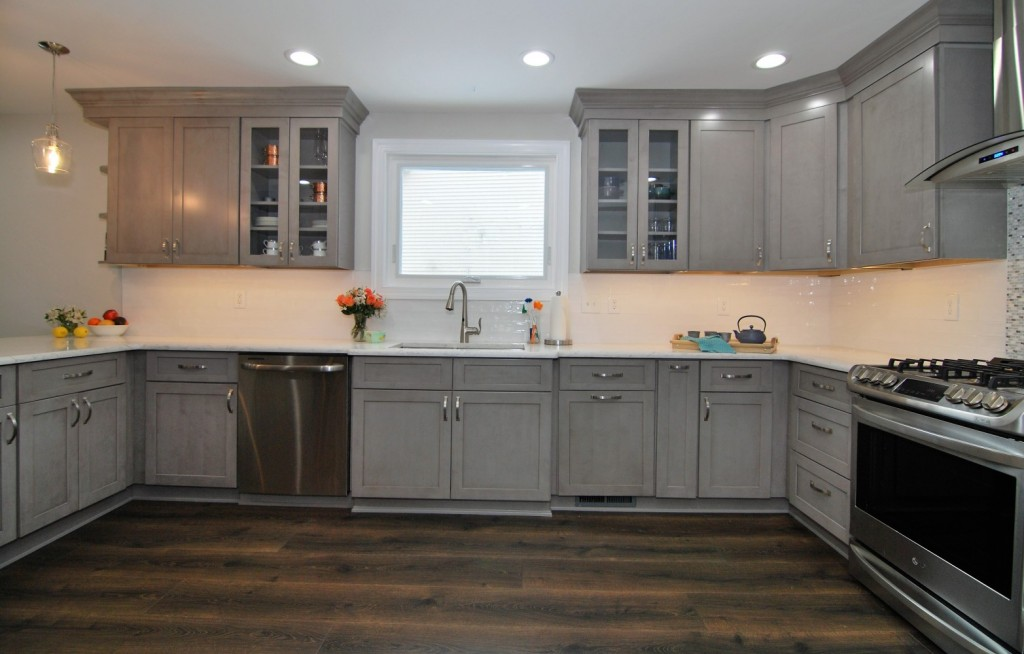 Galaxy Horizon Fabuwood Kitchen Sink   Collingswood NJ   Distinctive Interior Designs