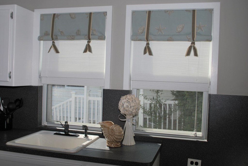 Shell & Starfish stagecoach valances with straps