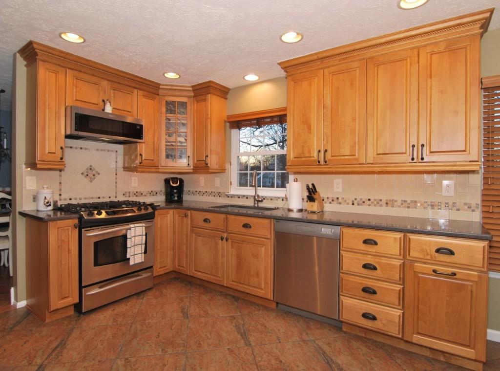 Kitchen Babylon quartz new picture frame accent backsplash