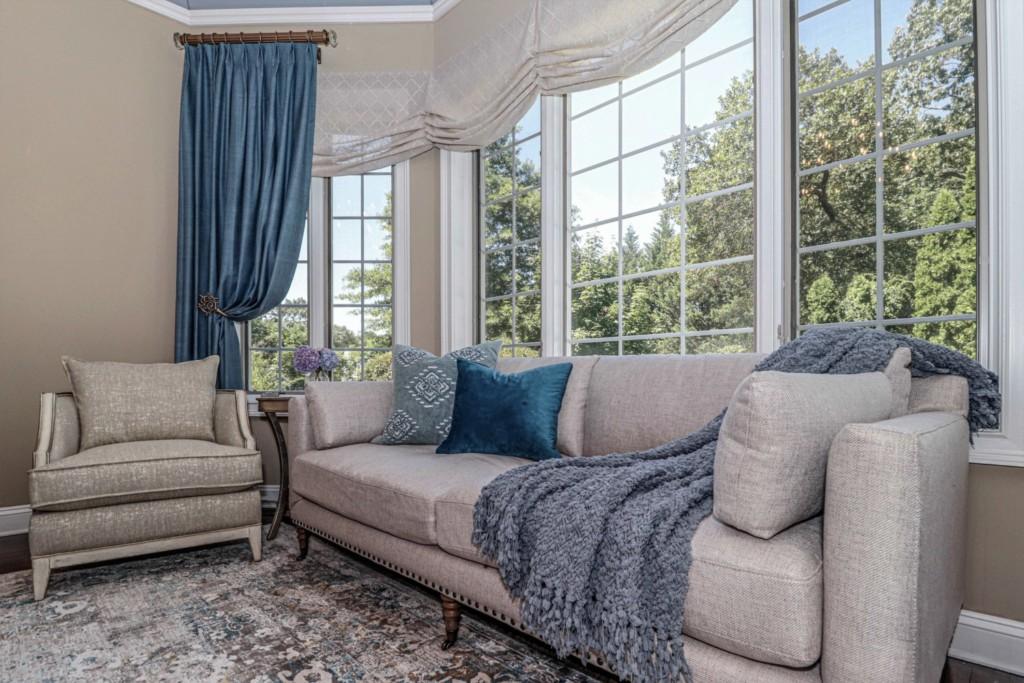 Bay window seating