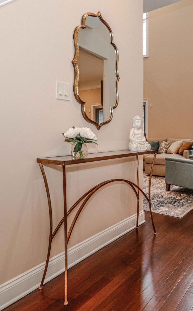 Entry table mirror